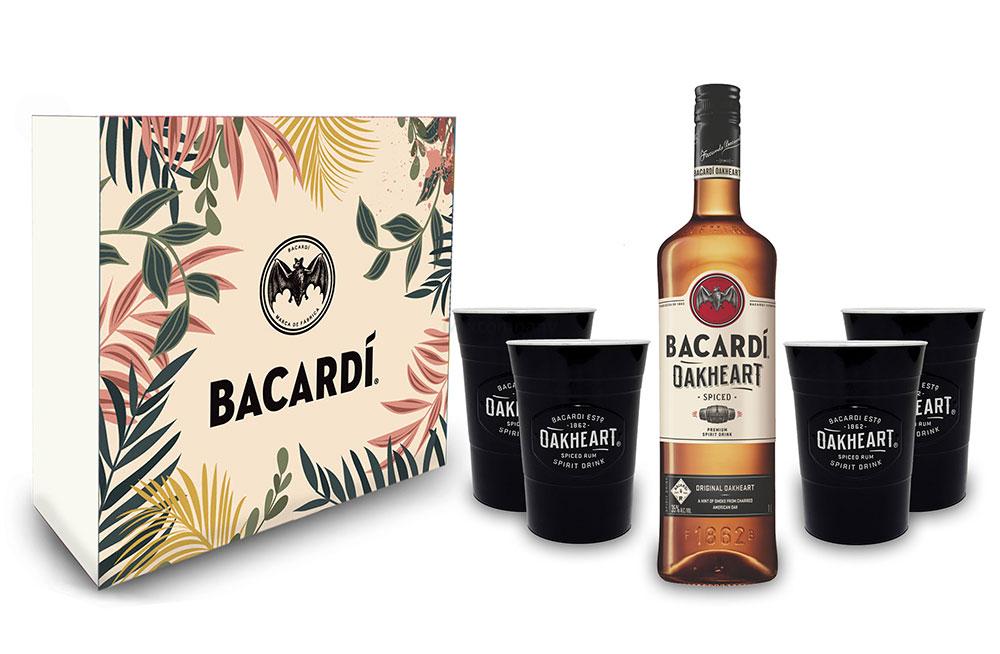 Bacardi Geschenkset - Bacardi Oakheart Spiced Rum 0,7l 700ml (35% Vol) + 4x Becher
