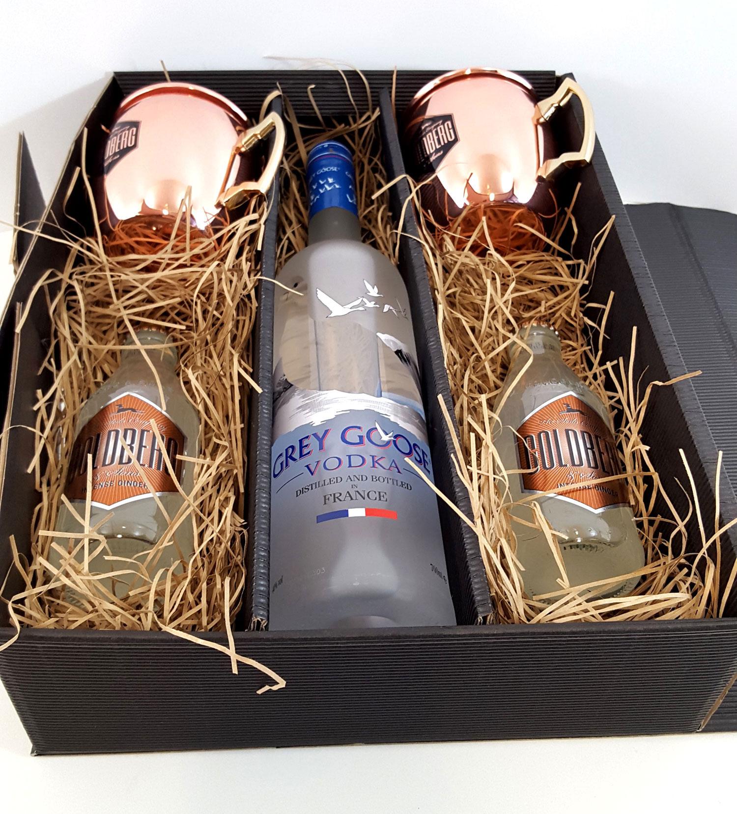 Moscow Mule Set / Geschenkset - Grey Goose Vodka 0,7l 700ml (40% Vol) + 2x Goldberg Kupferbecher + 2x Goldberg Intense Ginger 200ml - Inkl. Pfand MEHRWEG