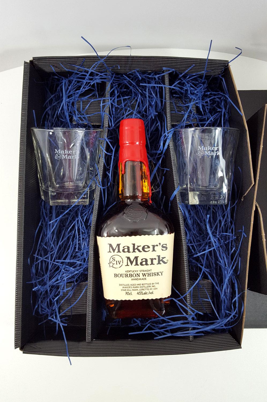 Makers Mark Set / Geschenkset - Makers Mark Bourbon Whisky 0,7l 700ml (45% Vol) + 2x Tumbler geeicht 2/4cl
