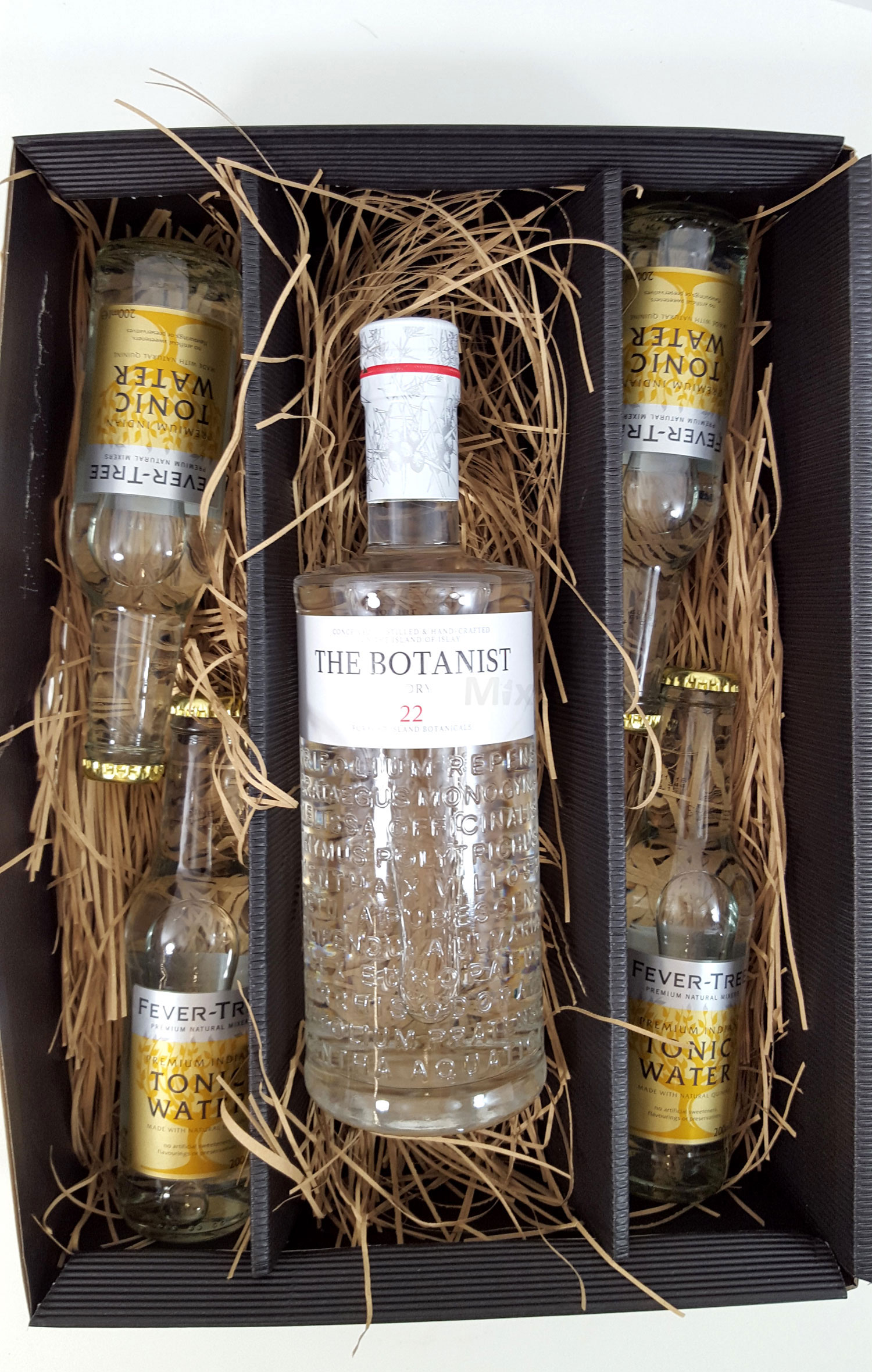 Gin Tonic Set / Geschenkset - The Botanist Islay Dry Gin 0,7l 700ml (46% Vol) + 4x Fever-Tree Tonic Water 200ml - Inkl. Pfand MEHRWEG