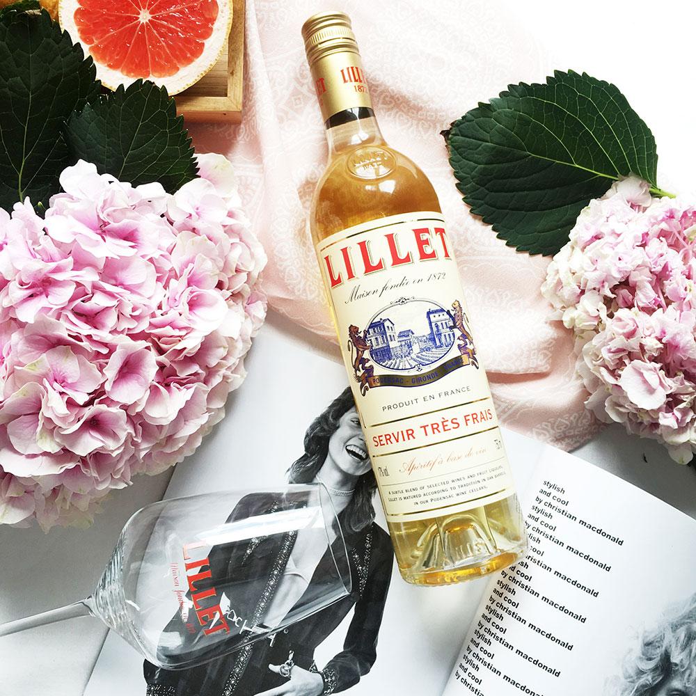 Lillet Schuber Geschenkset - Lillet Blanc Aperitiv de France 750ml (17% Vol) + 2 Lillet Gläser